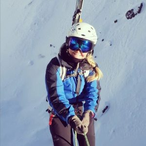 Off-piste skiing with Julbo photochromic goggles.