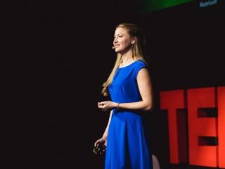 Melanie at TEDx Vienna © David Pan (1)